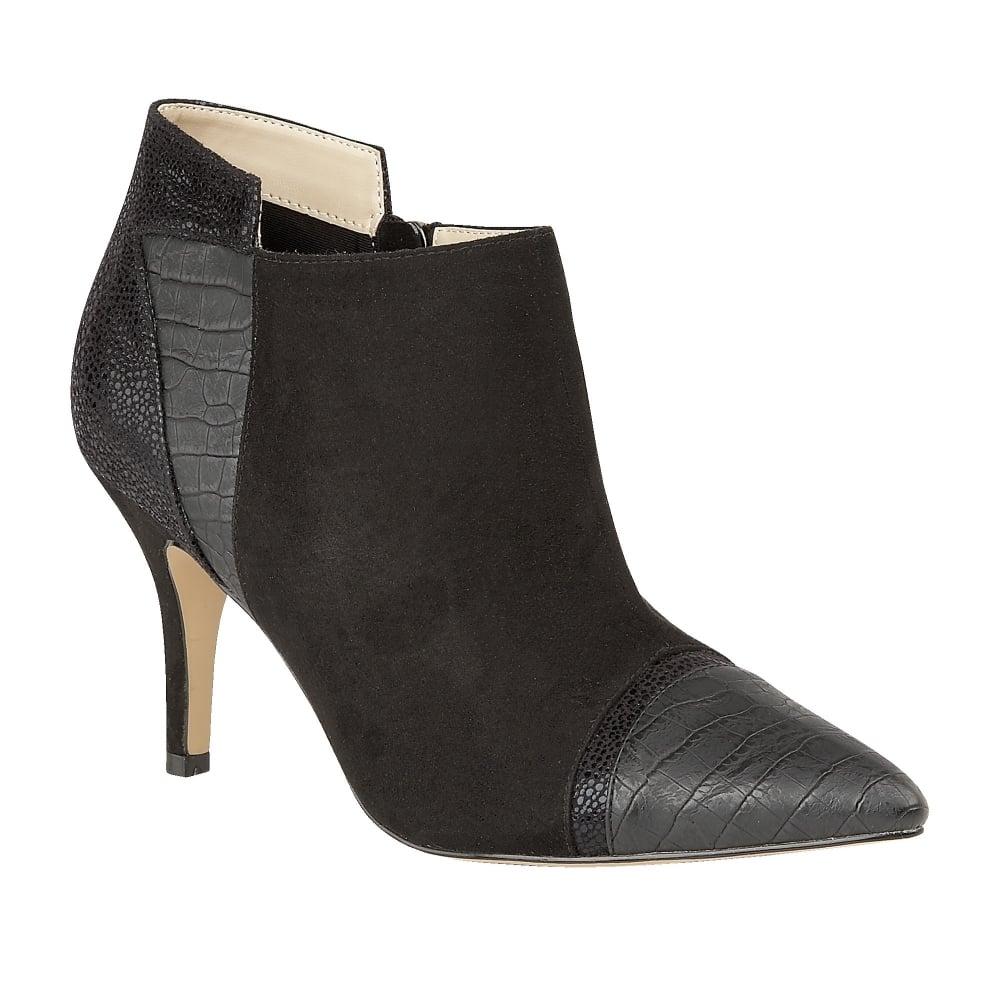 Ladies Shoe Shine