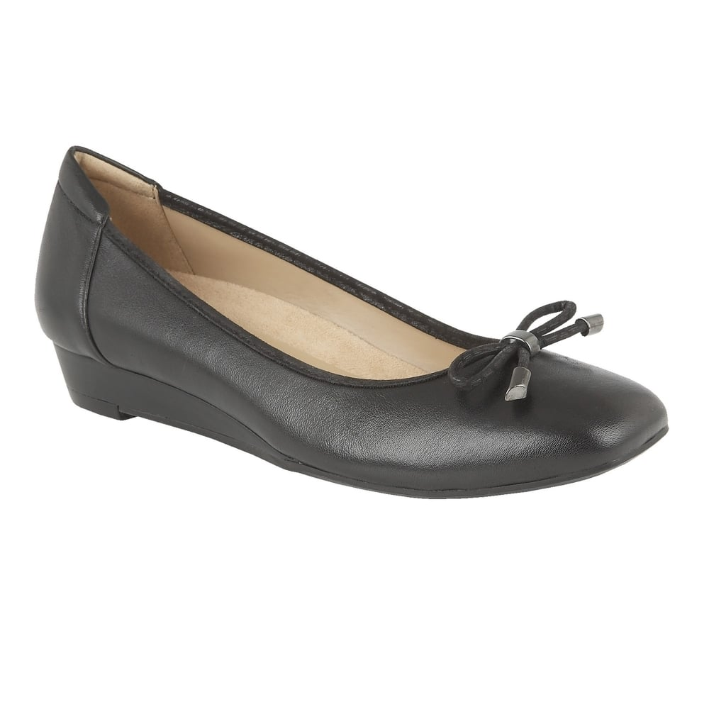 Naturalizer Ladies Shoes On Sale