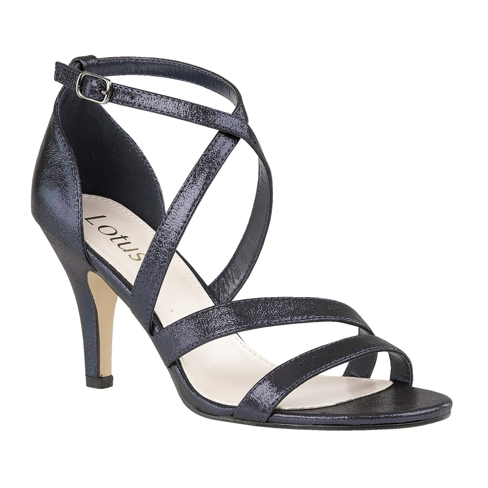 Navy blue color is a timeless and classy choice for a sophisticated or preppy bride. Wear navy wedding shoes for a classically elegant walk down the aisle.